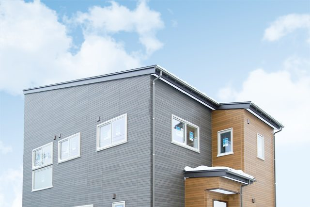 高耐久外壁でメンテナンスの負担軽減!こだわり造作カウンターのある家 ハーバーハウス上越支店